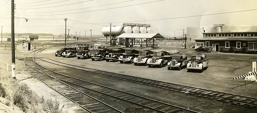 First Hess Oil Terminal in Perth Amboy, NJ, 1938